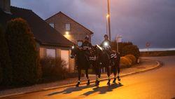 """Politie strijdt te paard tegen inbraakplaag: """"Een brommer inhalen? Koud kunstje"""""""