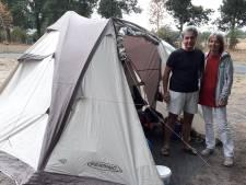 Kom je vanuit Griekenland naar de camping in Cromvoirt, regent het. 'Ach, stiekem hoopten we er een beetje op'
