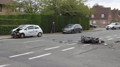 Motorrijder (21) kritiek na zware botsing, automobilist bleek onder invloed