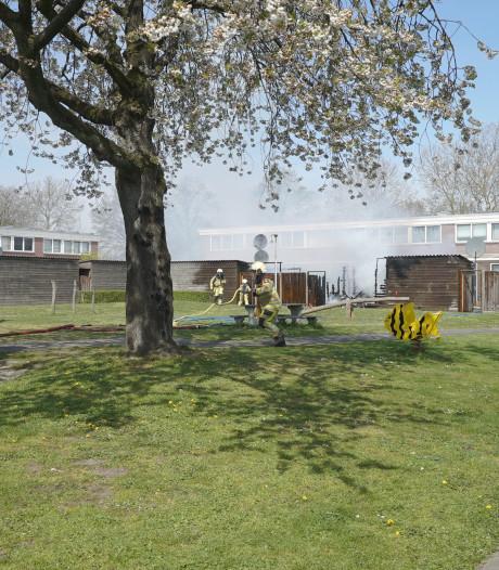 Nieuwe schuurtjes voor door brand gedupeerde bewoners in Deventer