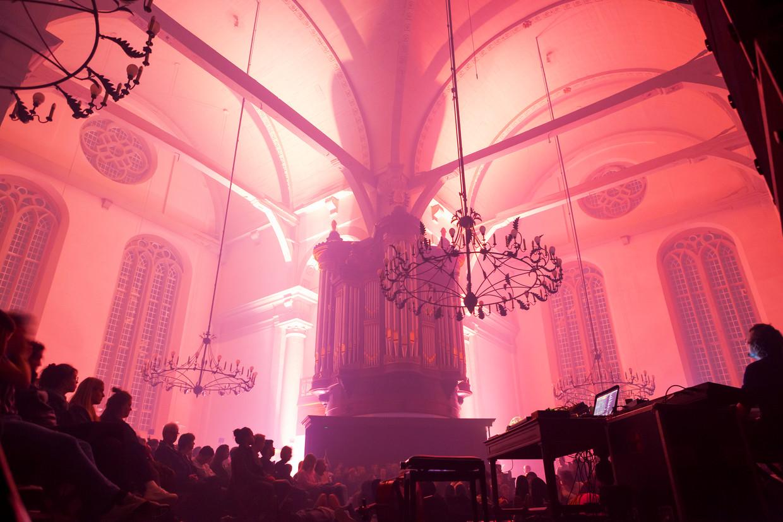 Aether is de nieuwste performance van Boris Acket, Nick Verstand and Maarten Vos,  in de Noorderkerk in Amsterdam tijdens ADE