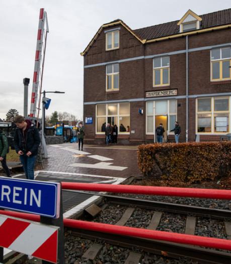 Reistijd korter en extra treinen in spits op Vechtdallijnen tussen Emmen en Zwolle