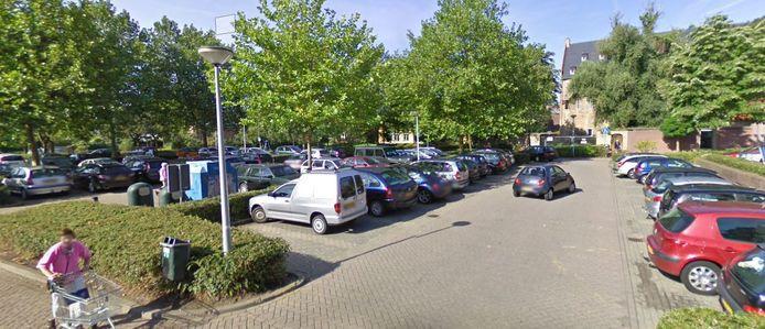 Kloostertuin, een grote parkeerplaats in het centrum van Doesburg.