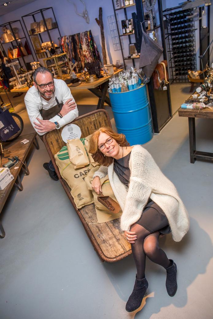 Janette en Lambrecht van den Broek verkopen onder meer hun eigen koffie in hun concept store Schap19.