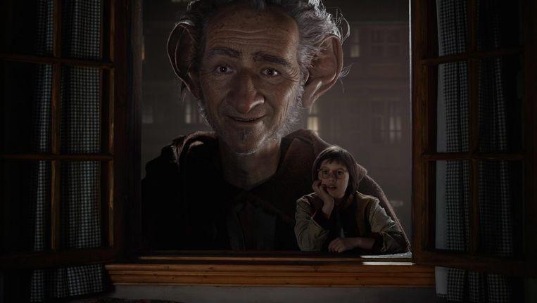 Regisseur Steven Spielberg waagde zich aan de verfilming van het populaire kinderboek 'De GVR' van Roald Dahl Beeld epa