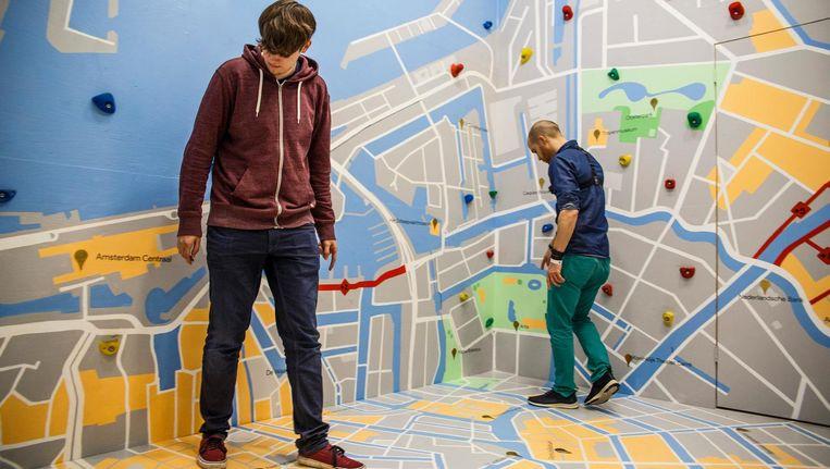 In de Google Mapskamer moet je afstanden berekenen Beeld Carly Wollaert