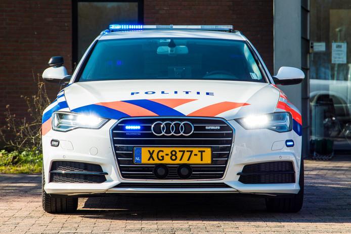 De Audi A6, het nieuwe paradepaardje van de politie. ,,Je wordt in je stoel gedrukt als de auto optrekt.''