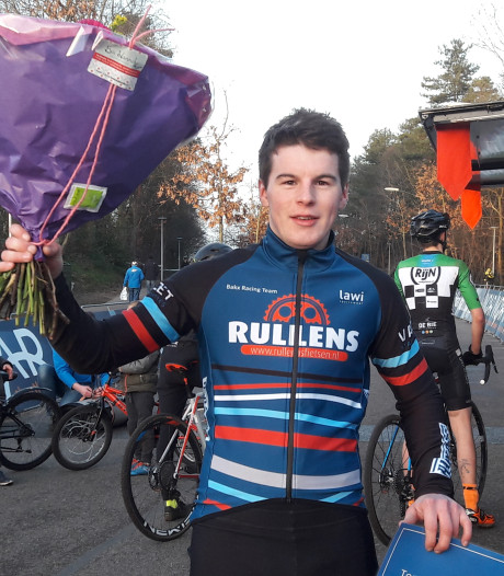 Kelvin Bakx wint topcompetitie veldrijden; dagzege voor teruggekeerde Jens Dekker