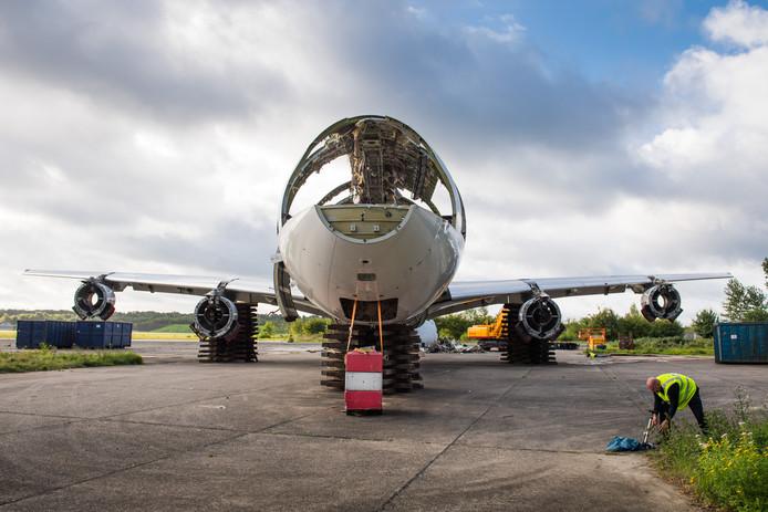 De Airbus A340 die eerder dit jaar op Twente Airport werd  ontmanteld door bedrijf AELS.
