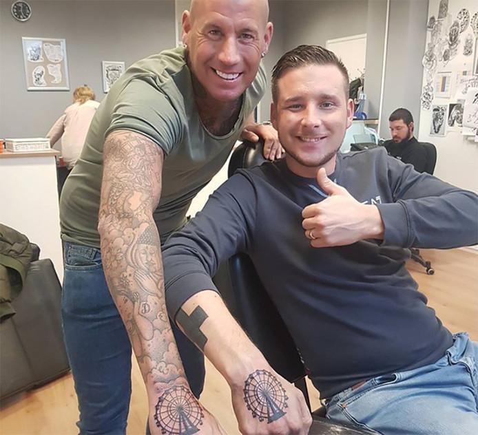 tattoos vriend seks