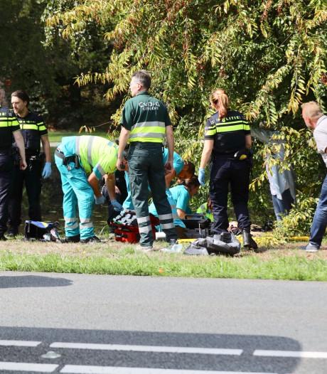 Motoragent zwaargewond bij aanrijding  Den Dolder