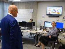 Minister Grapperhaus op verrassingsbezoek bij de Veiligheidsregio Gelderland-Zuid
