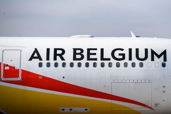 Een vliegtuig van Air Belgium op de luchthaven van Charleroi.