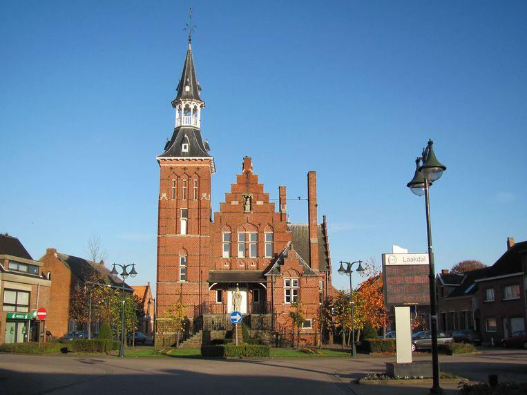 Het oud-gemeentehuis kreeg een opknapbeurt.