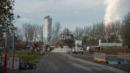 """Tijdelijke betoncentrale voor Oosterweel produceert 1 miljoen ton in 5 jaar: """"Zo houden we 30.000 vrachtwagens van de weg"""""""