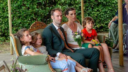 """Ynske zegt 'ja' op trouw die haar man stiekem regelde: """"Trouwfeest van mijn dromen"""""""