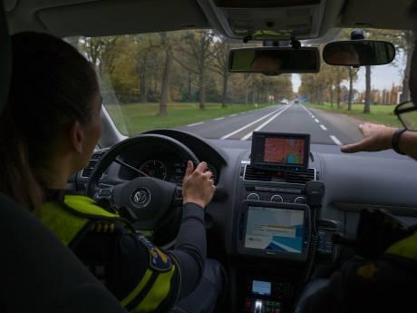 Agenten trainen in het overtreden van verkeersregels, op een veilige manier