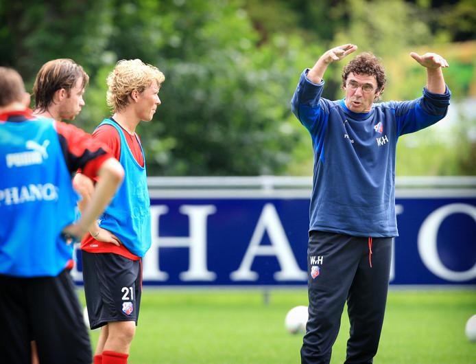 Willem van Hanegem als trainer van FC Utrecht.