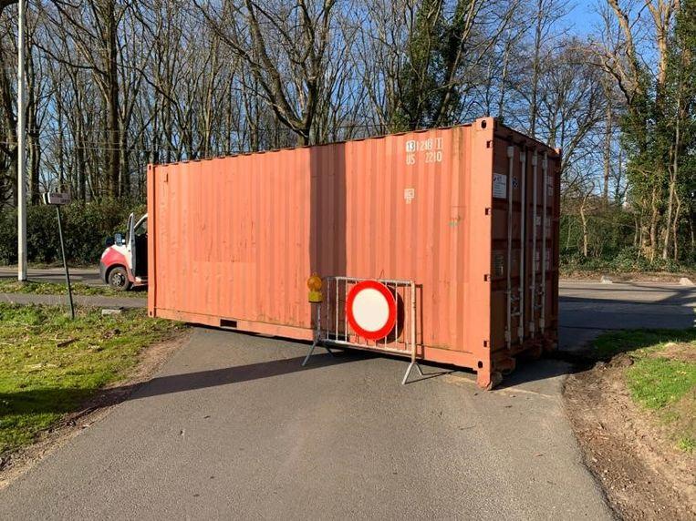 De politie Noorderkempen controleert de grote invalswegen en heeft samen met de stad containers laten plaatsen op de kleine wegen.