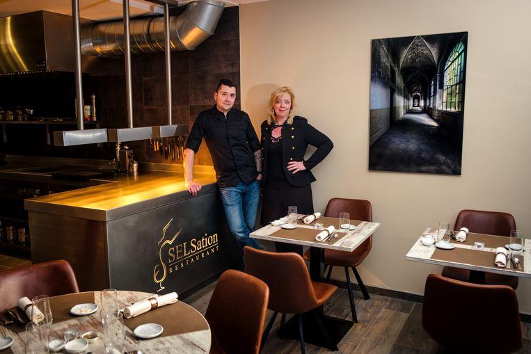 Wouter en Sandra in hun restaurant.