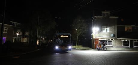 Bouwlampen tegen overlast in Arnhemse wijk Geitenkamp opengebroken; politie verricht arrestatie, opnieuw onrust