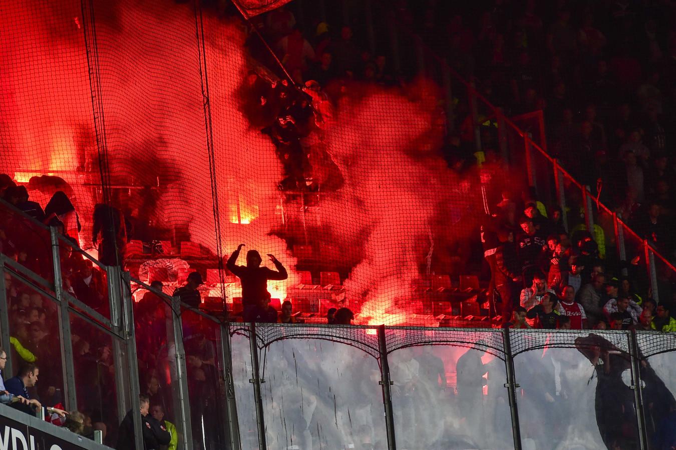Ajax-fans in het PSV-stadion.