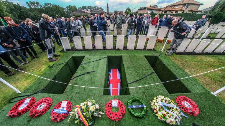 Op Wytschaete Military Cemetery vonden donderdag dertien soldaten van de Gemenebest hun laatste rustplaats.