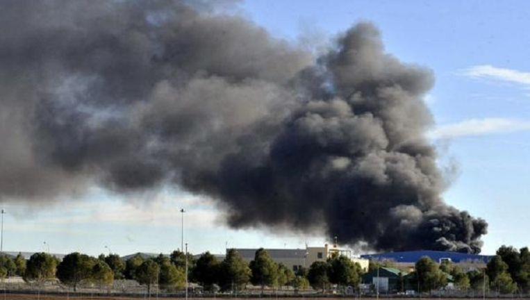 Rook stijgt op na de vliegtuigcrash bij de militaire basis in Albacete Beeld Twitter