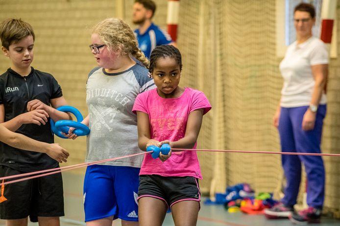 Via Sjors Sportief kunnen kinderen kennismaken met allerlei sporten. Iets dergelijks is er vanaf deze maand ook voor 18-plussers in de gemeente Bergen op Zoom.