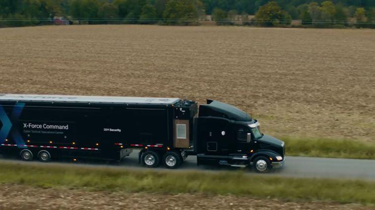 Technologiegigant IBM heeft een speciale vrachtwagen gebouwd die ter plaatse kan komen als je bedrijf gehackt werd.
