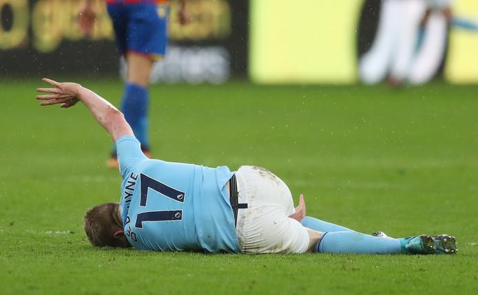 Kevin De Bruyne van Manchester City raakte geblesseerd tijdens het duel met Crystal Palace.