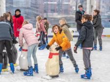 Zwolse basisschoolleerlingen gaan in binnenstad het ijs op