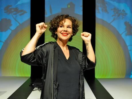 Schuwe beer Sara Kroos brult weer:  'Dat heel zware is voorbij'