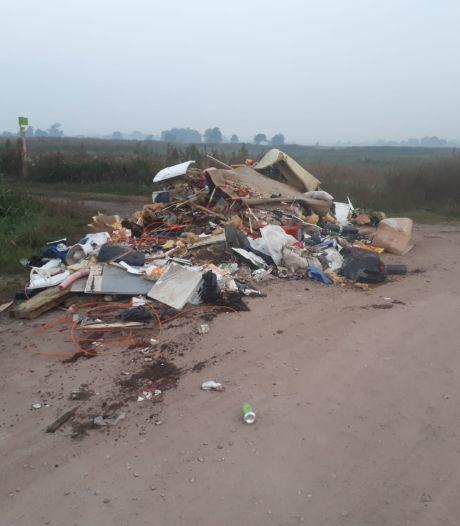 Daders die enorme berg afval dumpten in Bennekom gepakt door 'geweldige melder'