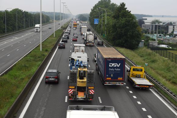Illustratiebeeld E40 vanop de brug in Haasrode