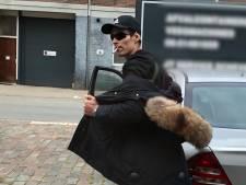 Politie toont beeld van man die verdacht wordt van stelen van jassen, geld en pinpassen