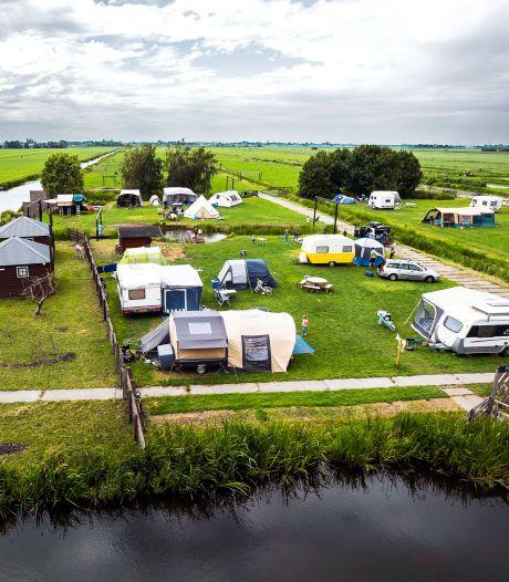 Een dag op Pop-up camping De Boerinn: 'Spiegels bij de wasbak, daar hadden we niet aan gedacht'
