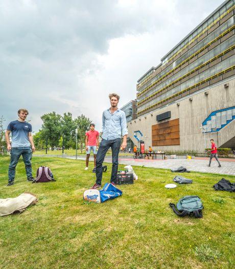 Alarm over corona-uitbraak studenten, aantal besmettingen in Delft stijgt explosief