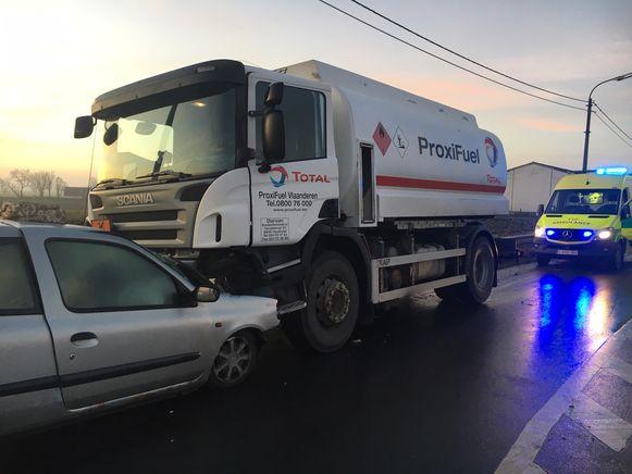 Het ongeval gebeurde aan een wegversmalling.