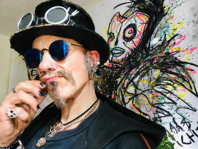Skippy poseert voor werk van zijn goede vriend, de live action painter Levi van Huygevoort