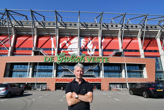 Tsjalle van der Burg, hoogleraar economie heeft een oplossing voor de financiele problemen van FC Twente