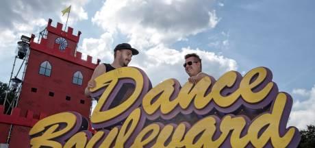 Dance Boulevard: 'Feestje in de achtertuin'
