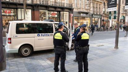 Politie betrapt winkeldievegge met gestolen goederen in kinderwagen