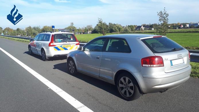 Fransen gooien heroïne uit auto op A12 bij Reeuwijk.