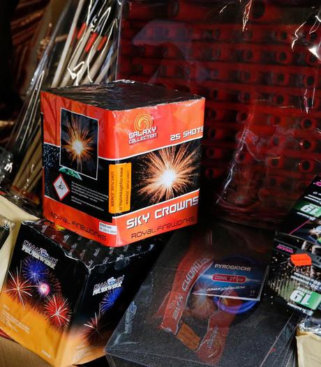 Dertig kilo illegaal vuurwerk bij twee minderjarigen