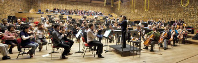 Het Radio Filharmonisch Orkest tijdens hun repetitie met het Groot Omroepkoor in het Muziekcentrum van de Omroep (MCO) in Hilversum. Foto ANP Beeld