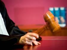 Celstraf voor Zwolse oplichter met vlotte praatjes over nep-radiostation