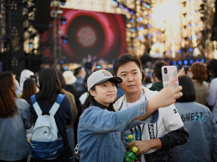 """Waarom China weer kan feesten en wij nog lang niet: """"De curve afvlakken werkt niet. Je moet eerst naar nul"""""""