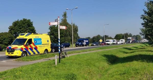 N348 dicht bij Raalte na ongeval op rotonde.