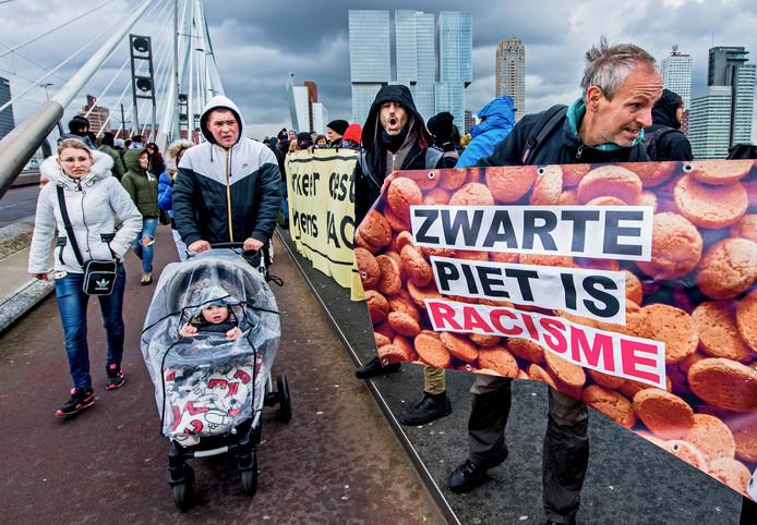 Demonstratie tegen Zwarte Piet.
